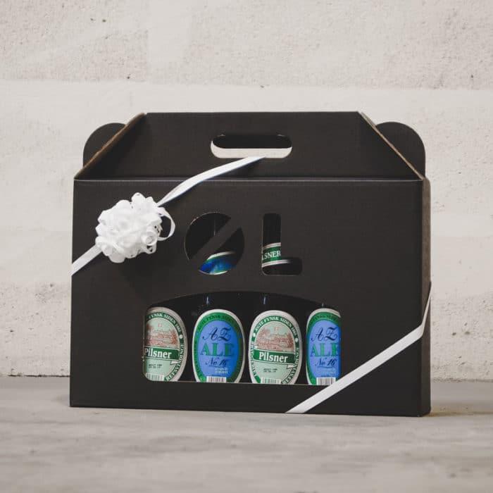 Ølkarton i matsort pap til 6 flasker a 33 cl. med hvidt gavebånd