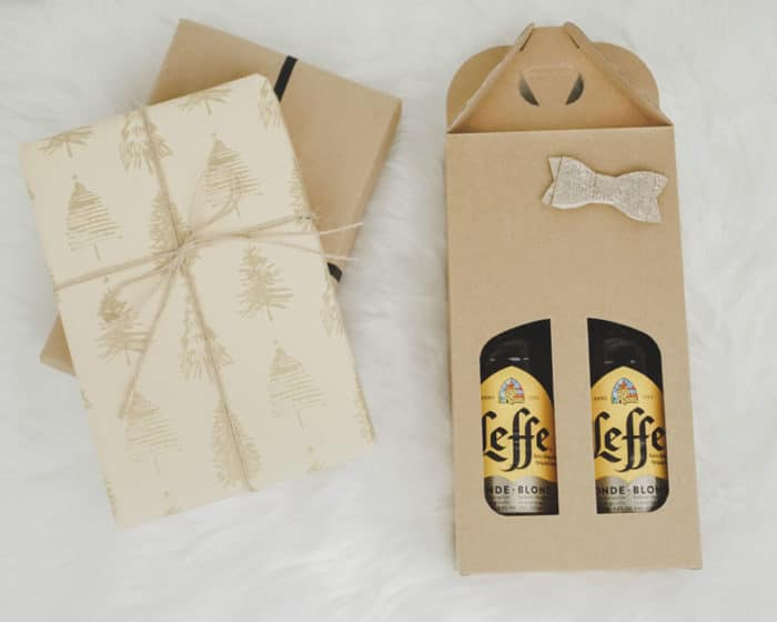 Julebillede med ølkarton i natur/brunt pap til 2 flasker a 33 cl.