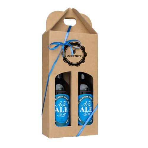 Ølkarton til 2 stk. 50 cl. flasker i natur med logotryk og blåt gavebånd