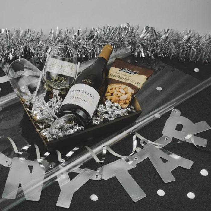 Nytårs billede med værtindebakke i matsort