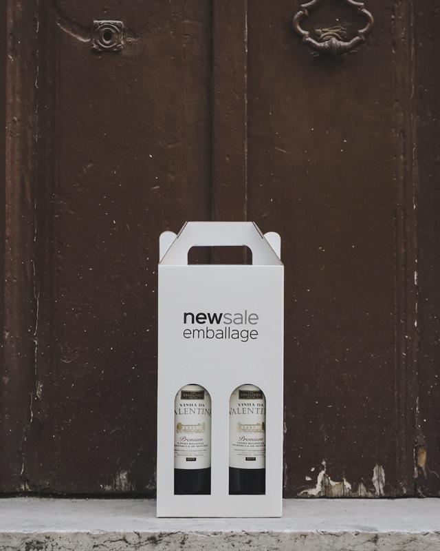 Newsale Emballage logotryk på hvid vinkarton til 2 flasker - Foran dør